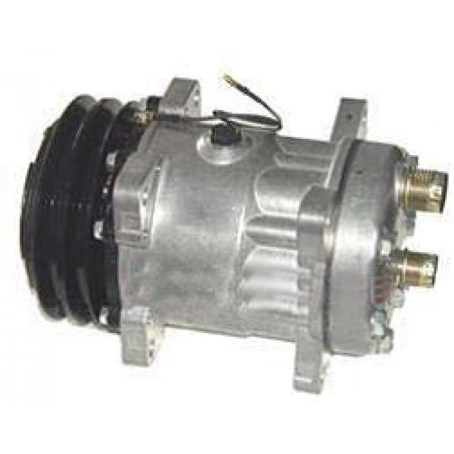 Компрессор кондиционера: 7H15 (709) Тип шкива: 2A Диаметр шкива: 132 мм 12V Горизонтальные выходы под O-ring